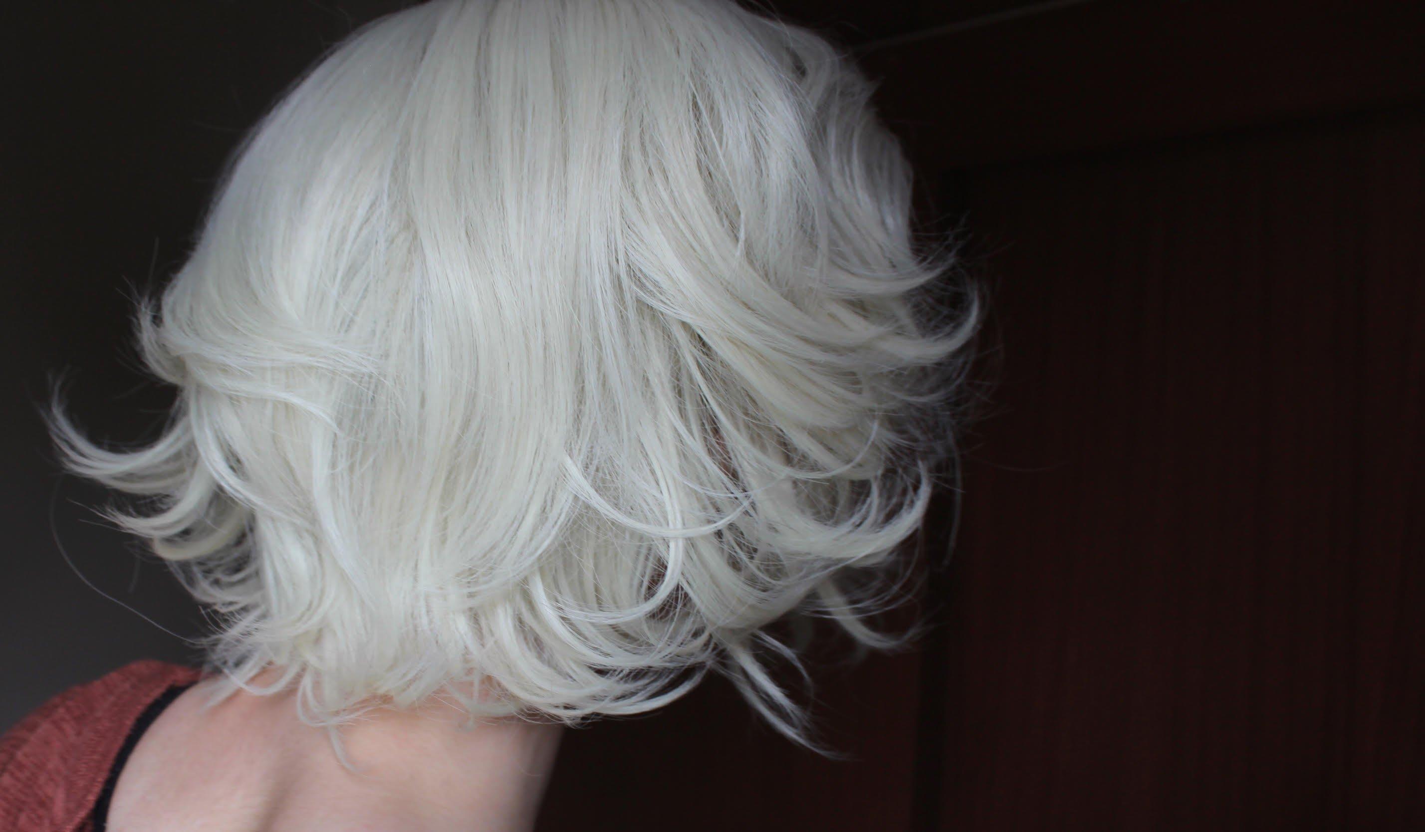 beige wig