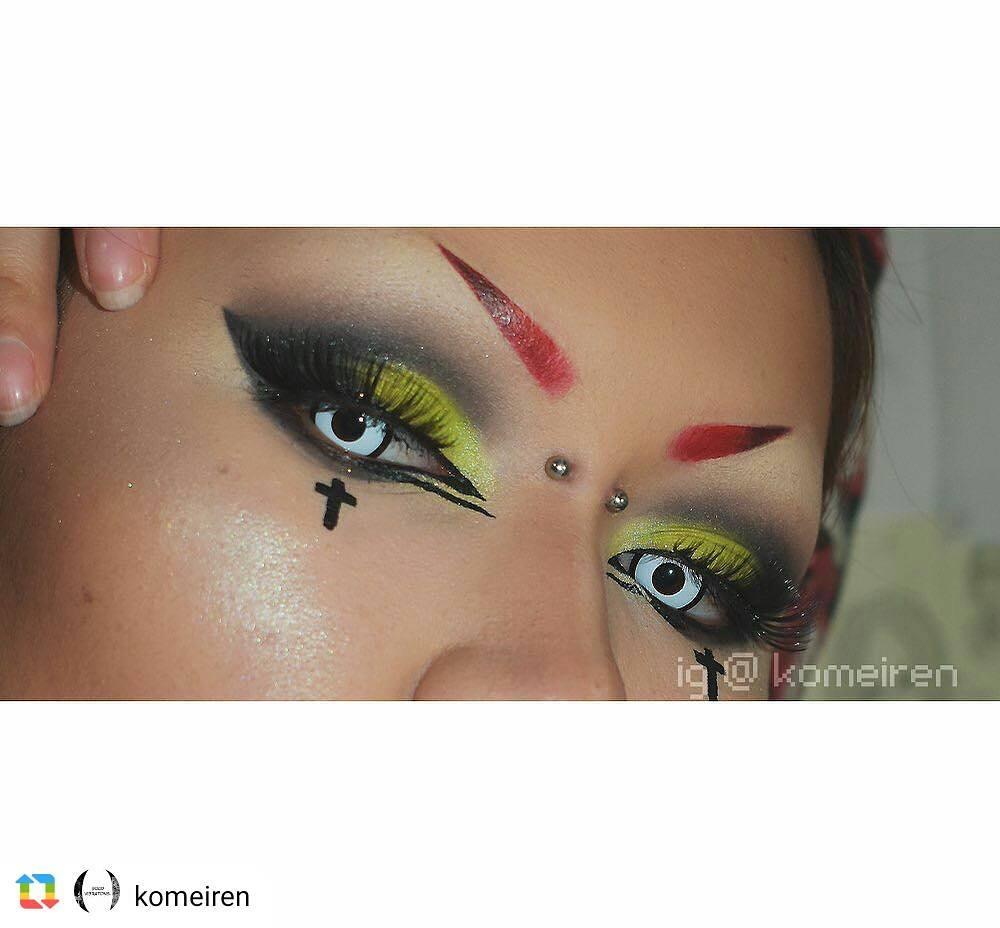 white halloween contact lenses
