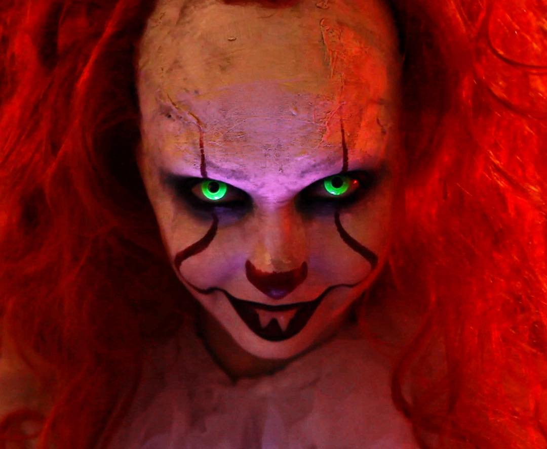 pennywise UV glow contacts