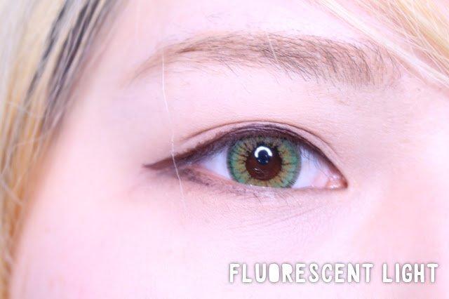 sweety sparkle 3 tones eye closeup