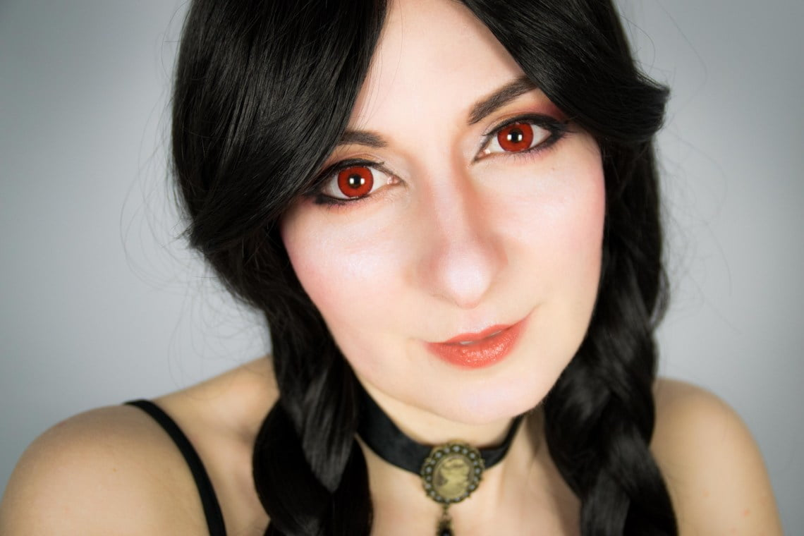 Sweety Devil red contact lenses