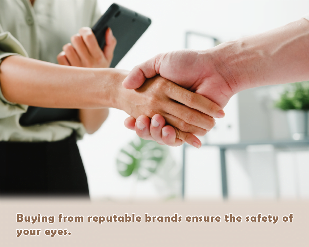 Buying from reputable brands to ensure the safety of your eyes with quality contact lenses